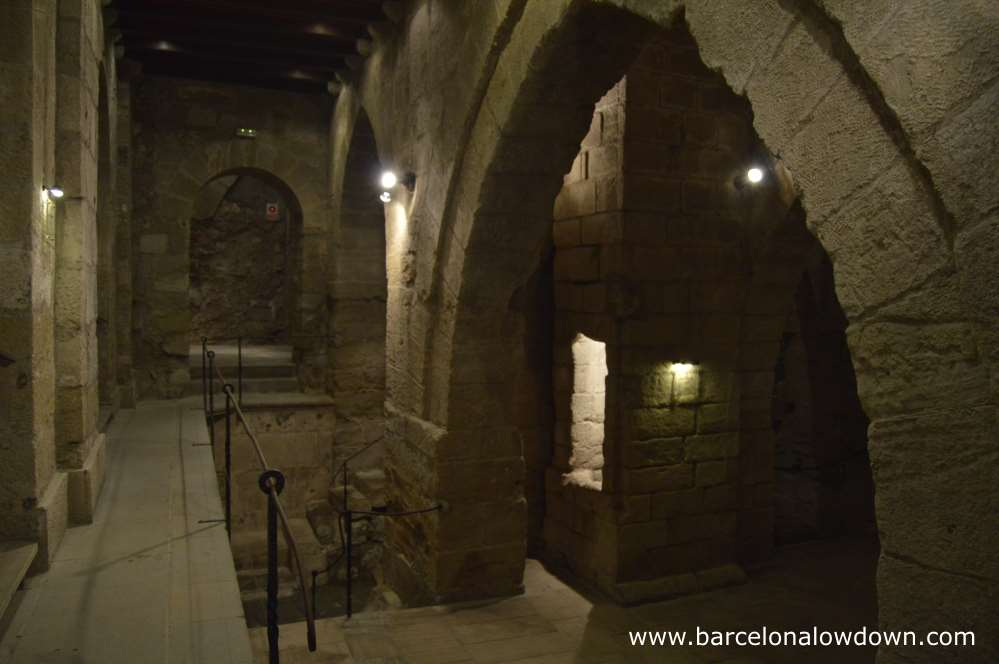 Located below the Paeria or Town Hall, these gothic chambers were used as dungeons from the 15th to 18th Century.